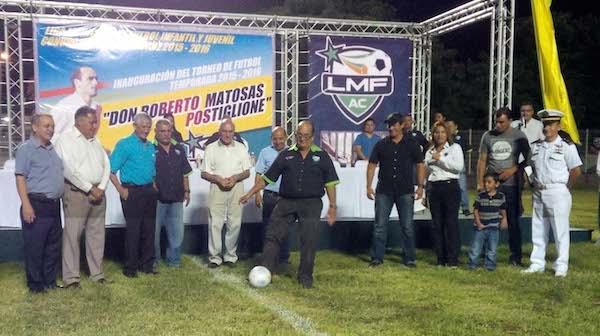 Patada Inaugural - Carlos Reyes Simon