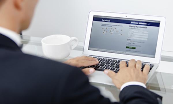 computadora-facebook